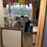 Oma Jenny zorgt voor de ochtend zorg